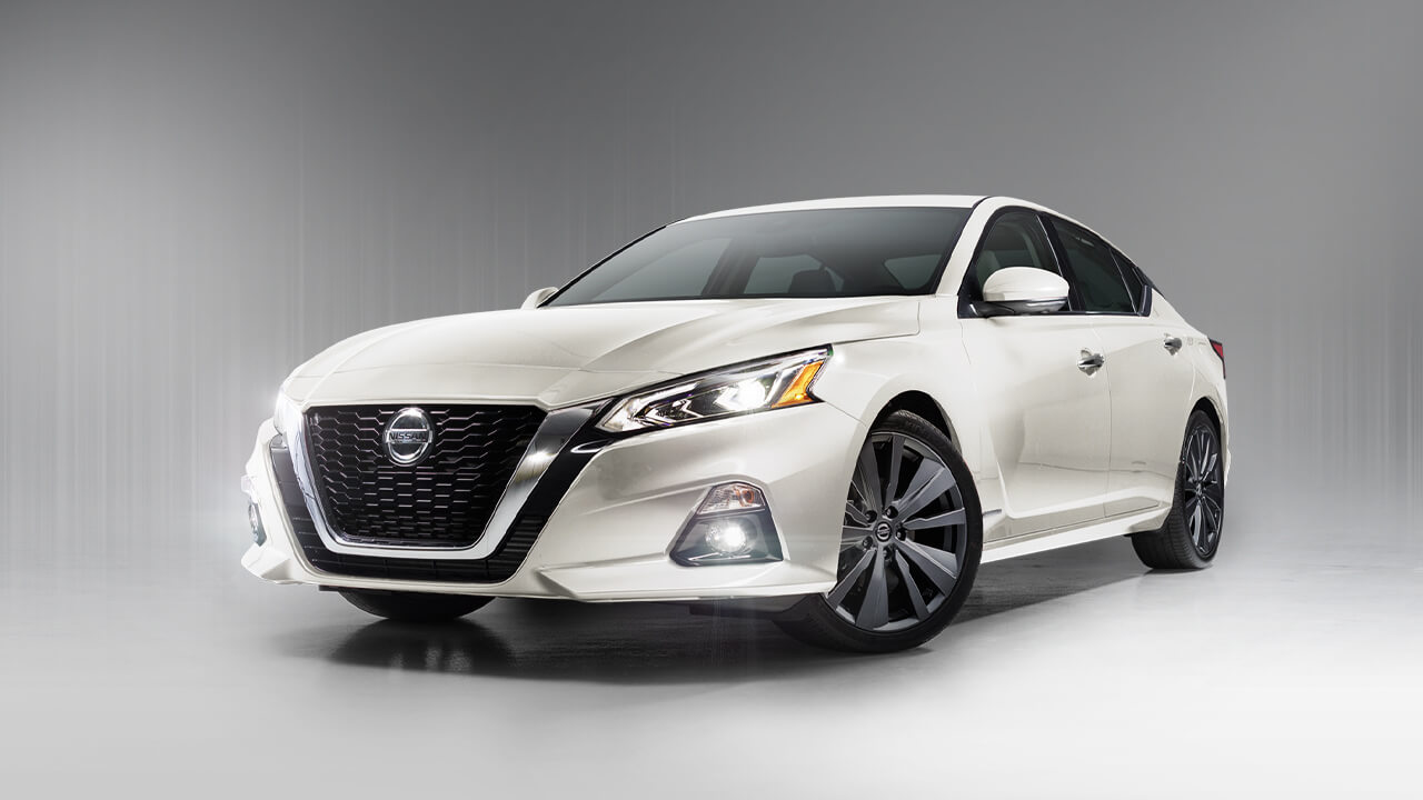 Discount Tire Store Hours >> 2019 Nissan Altima - Nissan of Mission Hills
