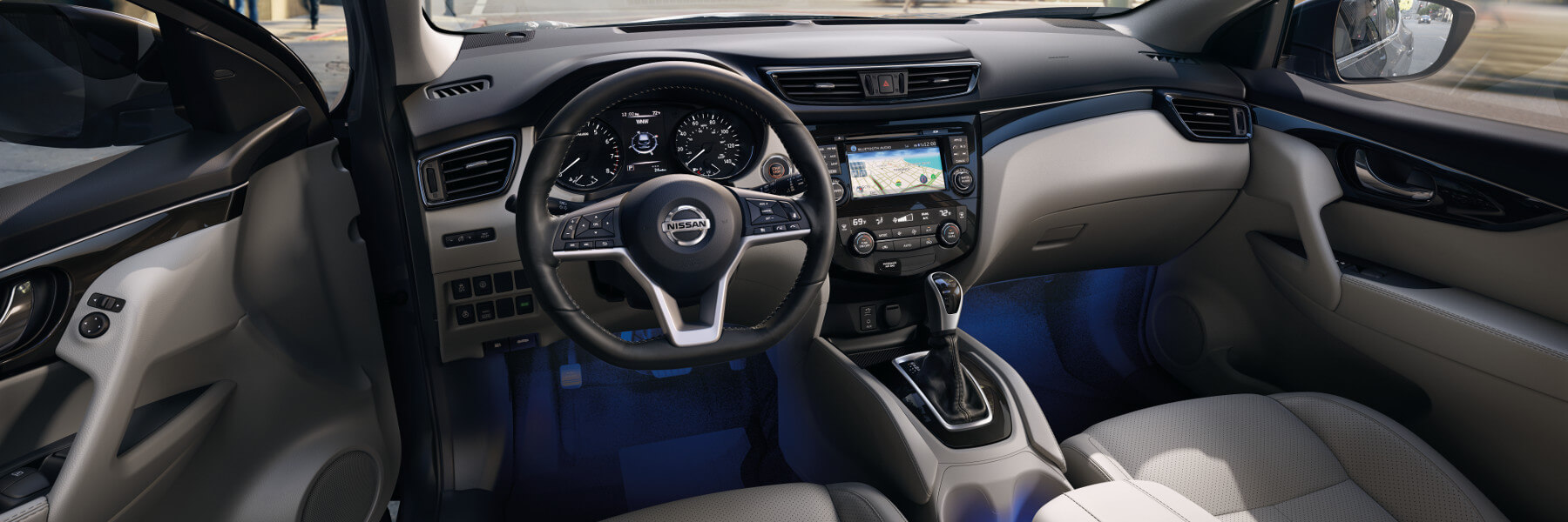 The dashboard in the front of the Nissan Rogue Sport