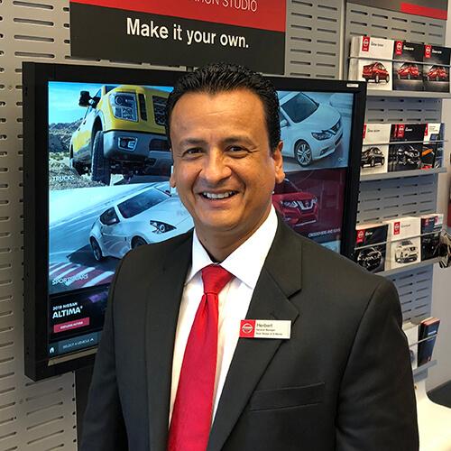 Herbert Valiente, General Manager