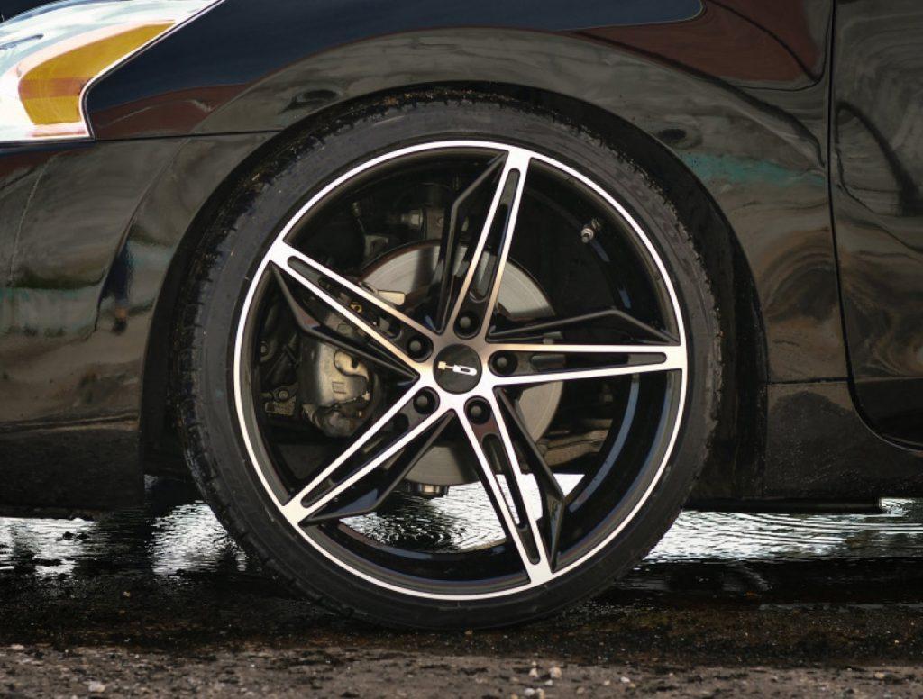 Custom Wheels & Tires