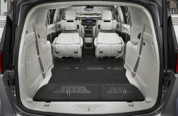 2019 Chrysler Pacifica Hybrid interior storage