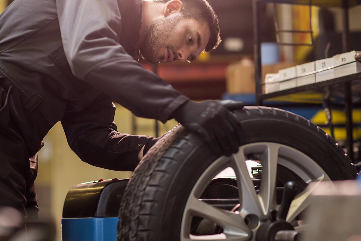 4-WHEEL ALIGNMENT WITH TIRE ROTATION AND BALANCE