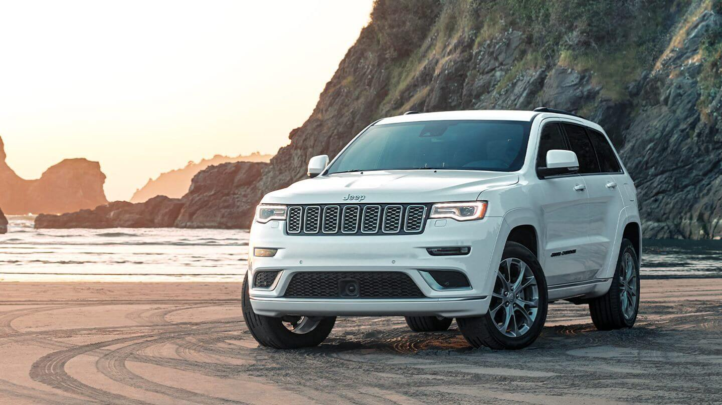 Buy, Lease, or Finance the 2020 Jeep Grand Cherokee near Alhambra CA