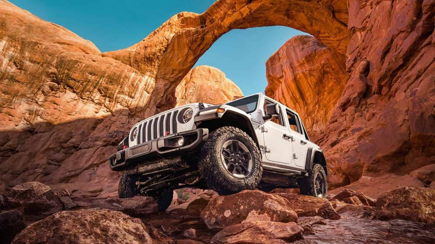 Explore the 2020 Jeep Wrangler Near Alhambra CA