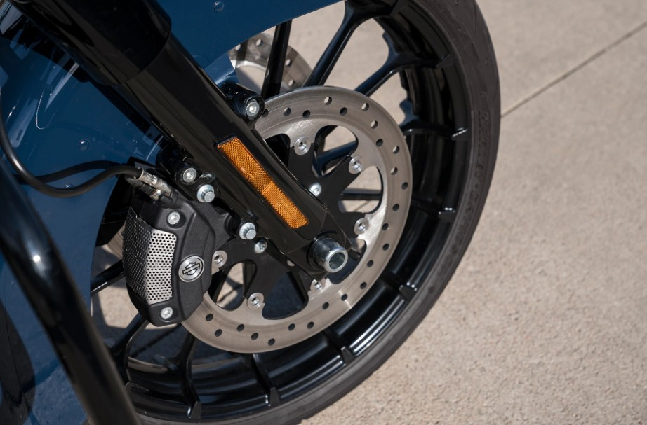 Reflex Linked Brembo Brakes With Standard Abs
