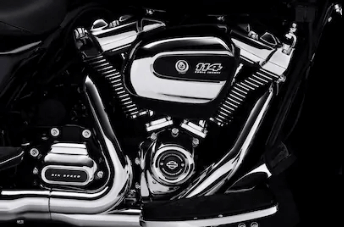 TWIN-COOLED™ MILWAUKEE-EIGHT 114 ENGINE