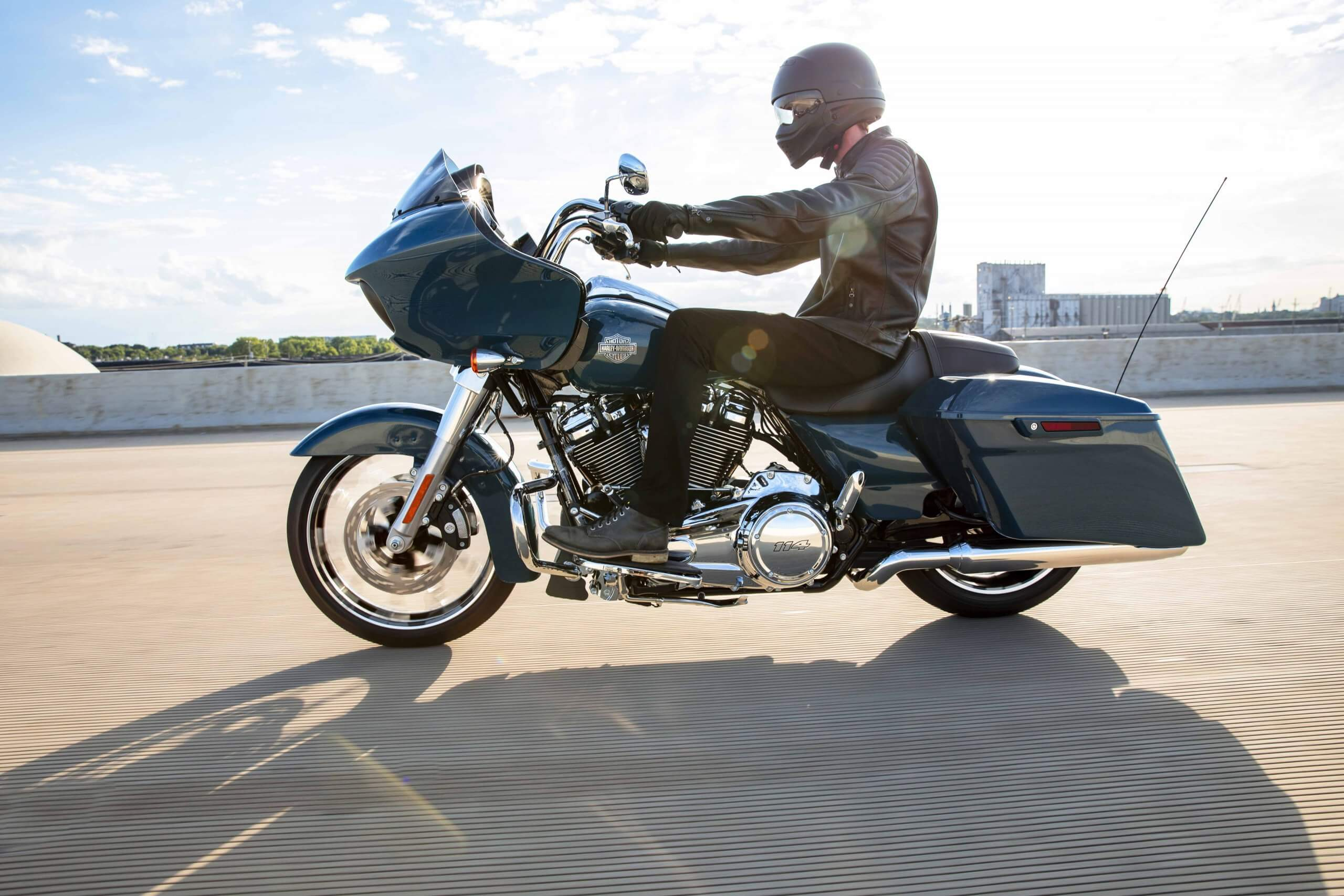 Milwaukee-Eight® 114 V-Twin engine and sharknose fairing