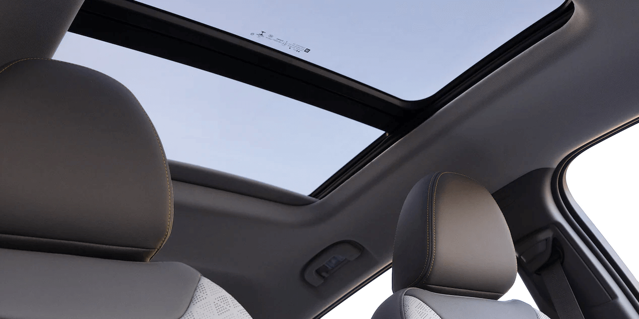 22022 Chevrolet Bolt EUV sunroof.