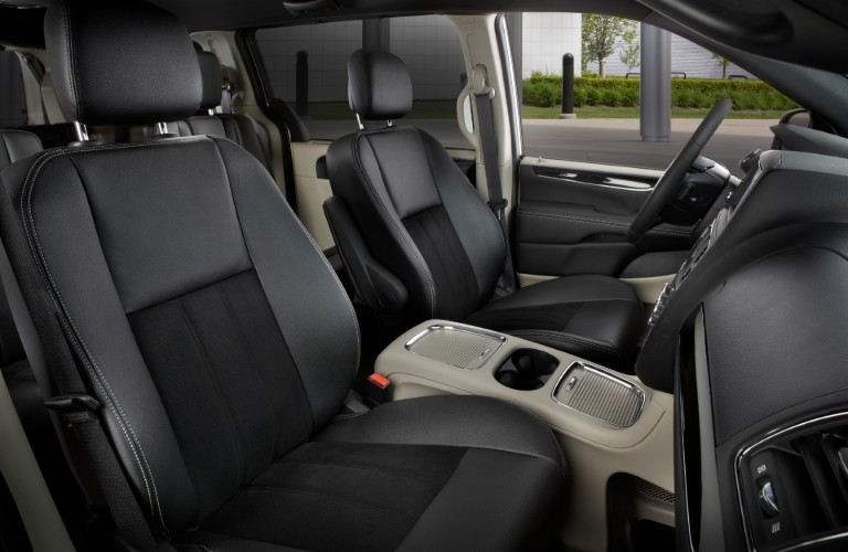 2020 Dodge Grand Caravan SXT winnipeg mb interior side shot of front seating upholstery, accents, and trimmingy