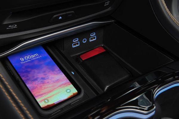 USB Charing Ports Chyrsler Pacifica Hybrid