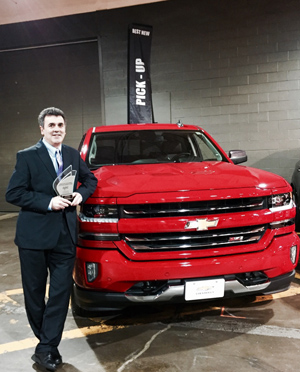 Chevrolet Truck Brand Manager Accepts Award for 2016 Silverado as best Truck of Canada