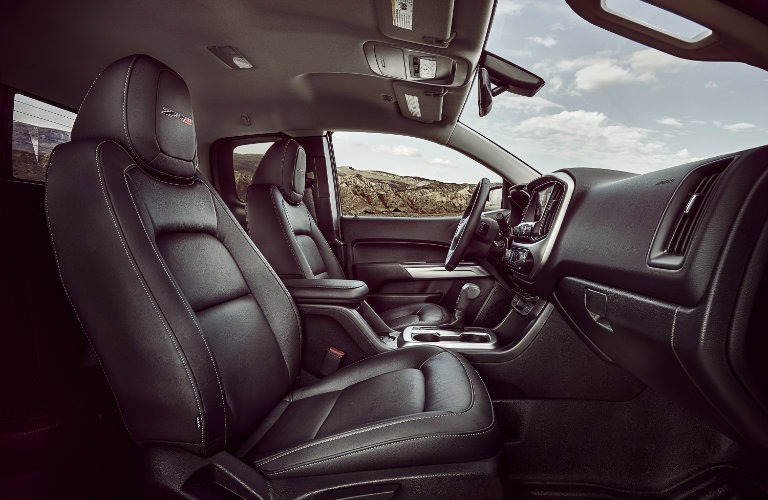 interior of the 2017 Chevy Colorado ZR2