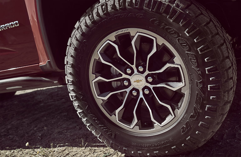 wheel-view of the 2017 Chevy Colorado ZR2