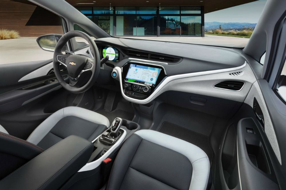 2017 Chevy Bolt EV dashboard MyLink connectivity