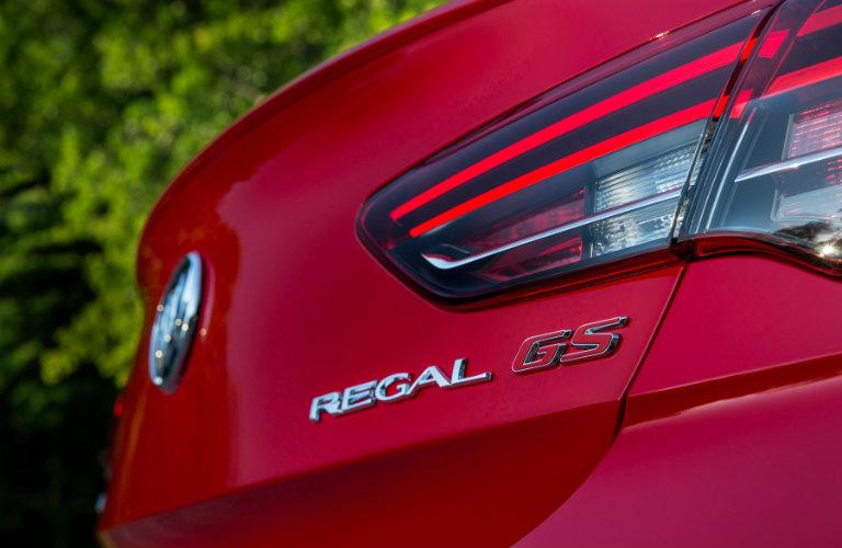 2018 Buick Regal GS standard features