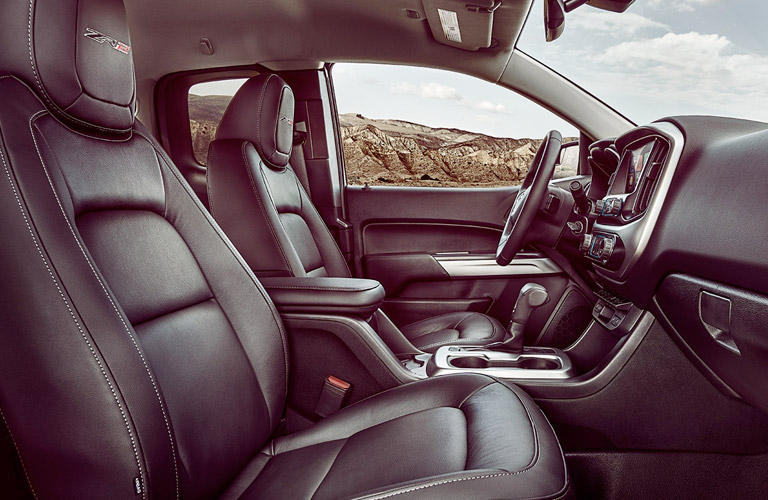 2018 Chevy Colorado ZR2 front seating