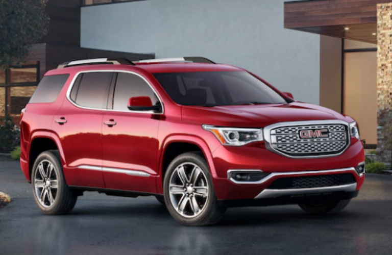 2018 GMC Acadia Denali in red