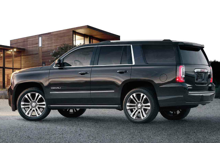 2018 GMC Yukon Denali features and specs