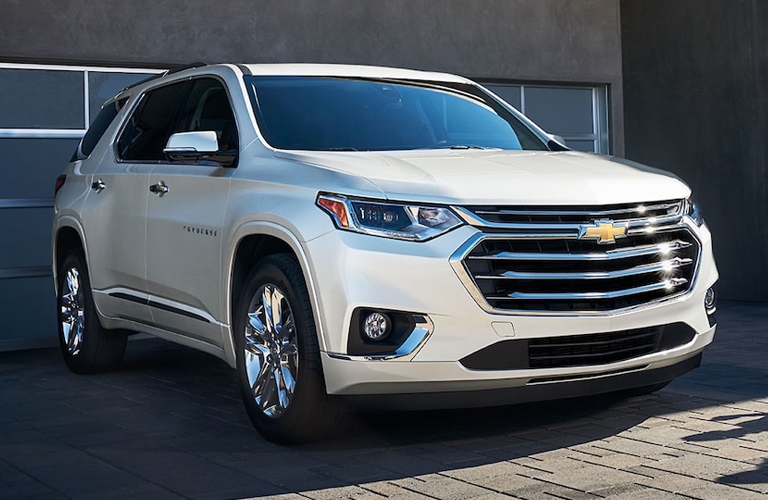 2019 Chevrolet Traverse grille in white