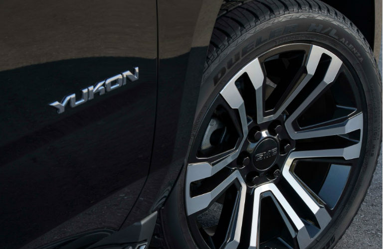 2019 GMC Yukon Graphite Edition tire