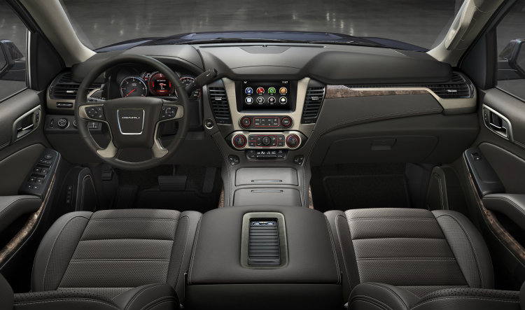 2016 GMC Yukon interior dashboard view