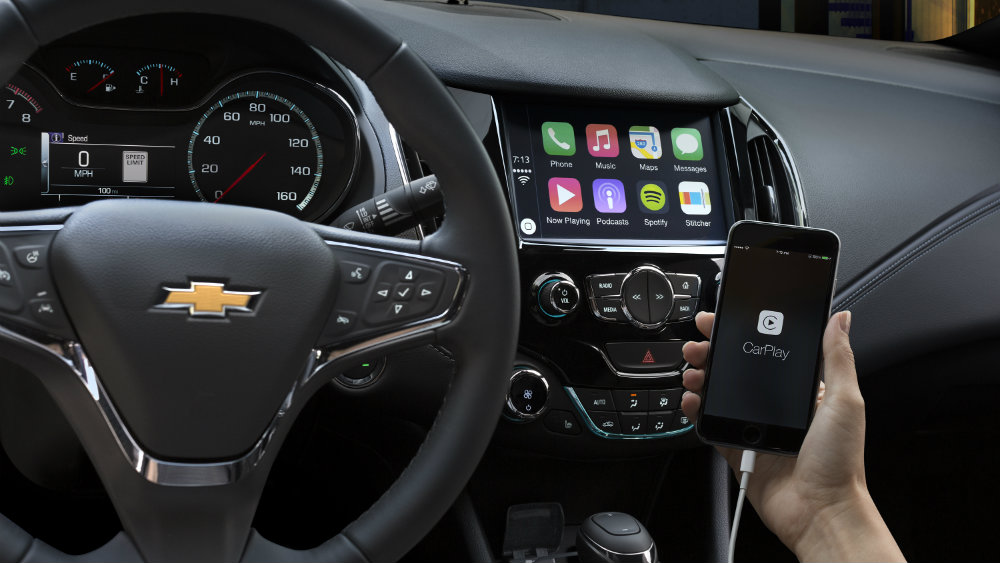 Apple CarPlay available on sedan or hatchback versions of the Chevy Cruze