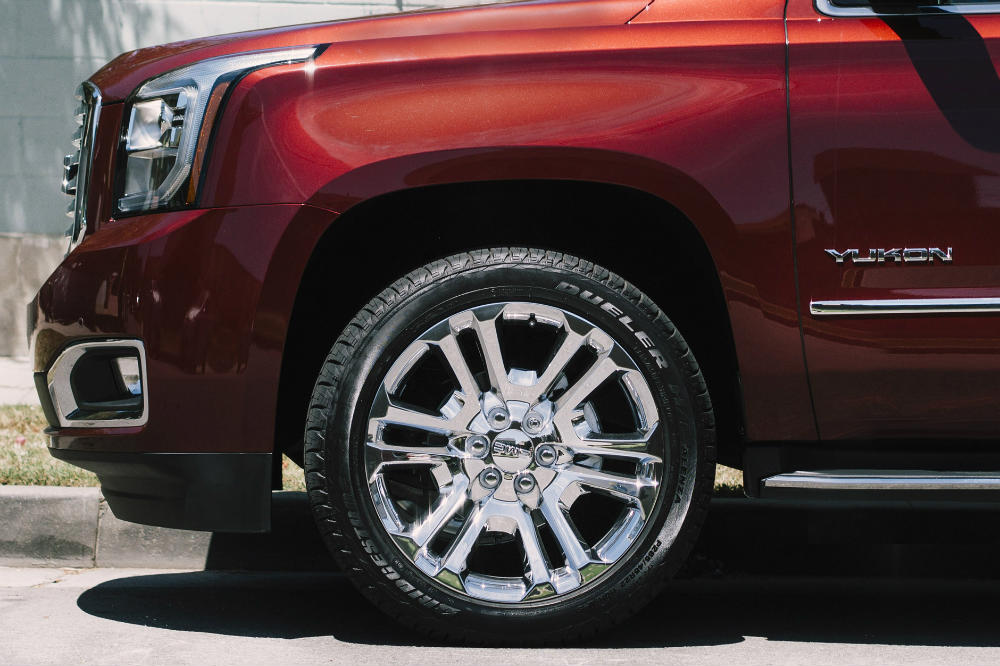 2016 GMC Yukon SLT Premium Edition specialty chrome wheels