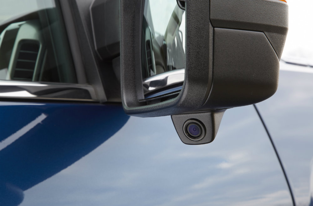Chevy Silverado Trailering Camera System camera on the side mirrors