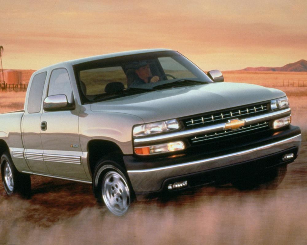 1999 Chevy K1500 4x4 Silverado ancestor of the Silverado we know and love