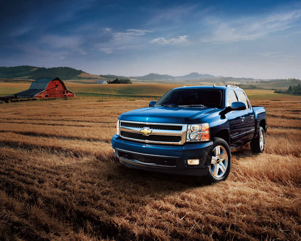 2007 Chevy Silverado on the farm