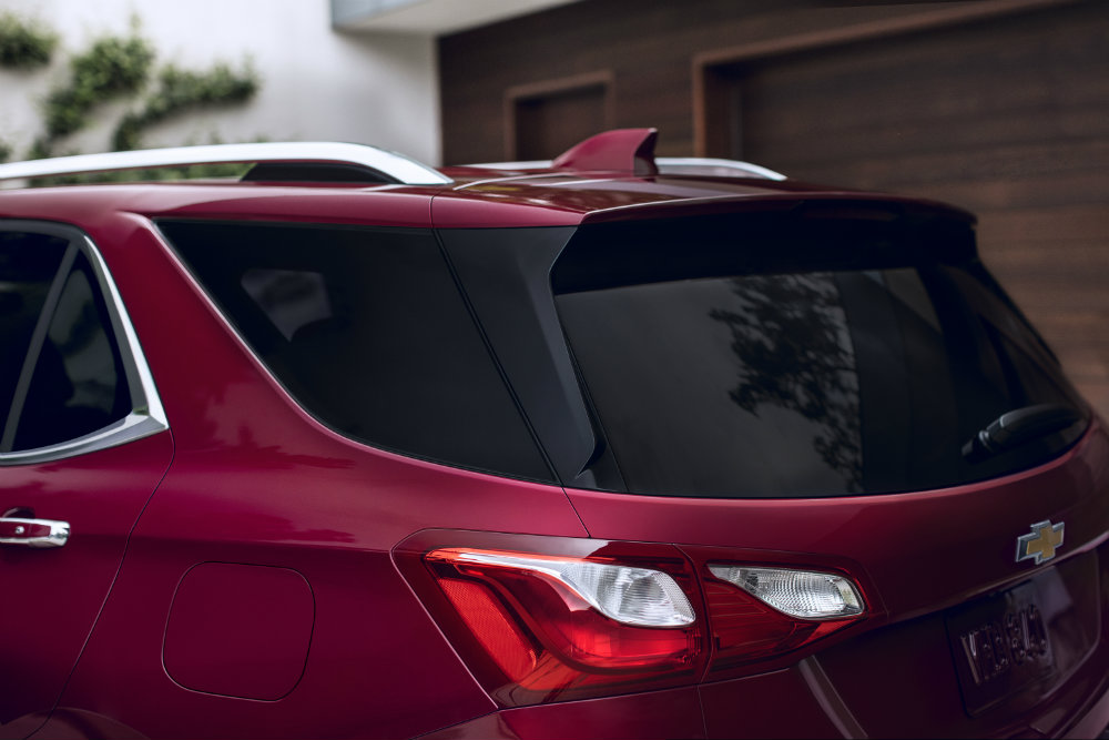 2018 Chevy Equinox rear roofline