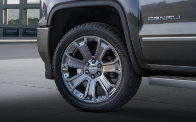2016 GMC Sierra Denali Ultimate Wheel close-up