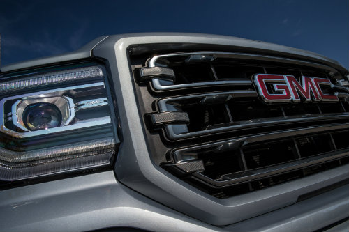 Grille on the 2016 GMC Sierra 1500