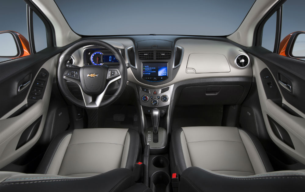Steering wheel and dashboard view of the 2016 Chevy Trax