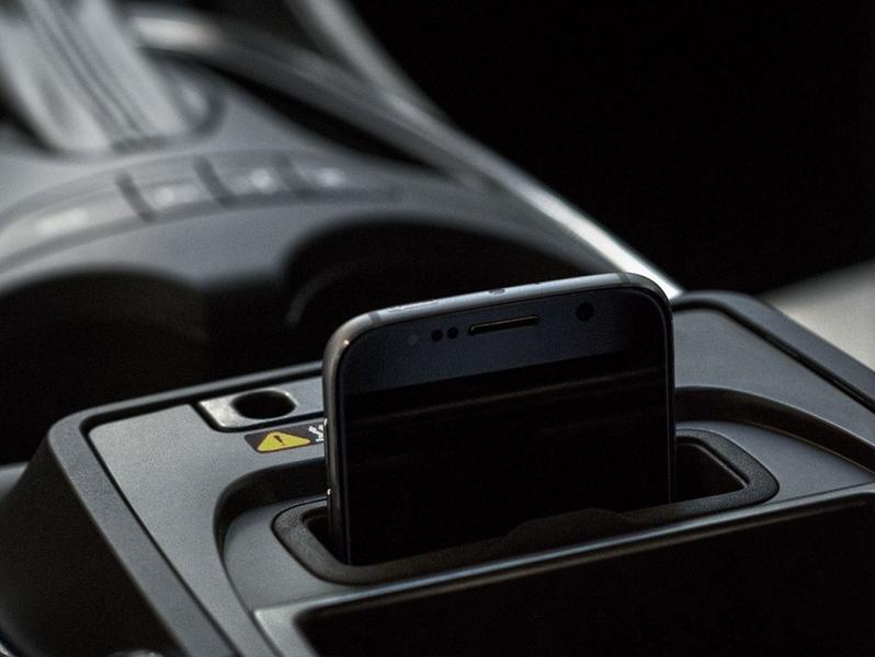 Phone charging in vehicle