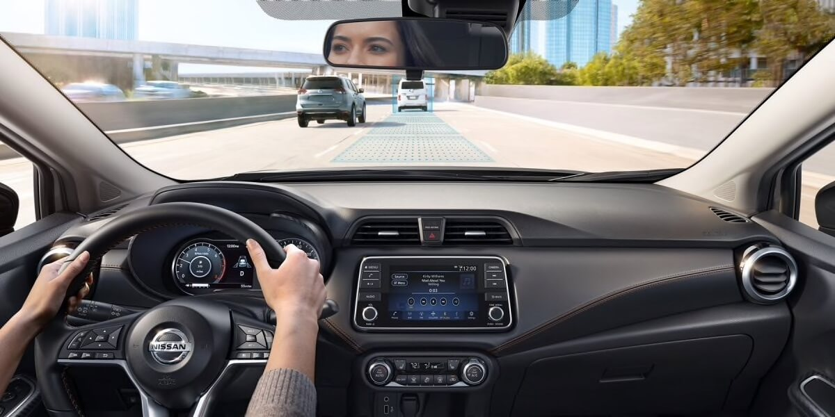 2020 Nissan Versa intelligent cruise control