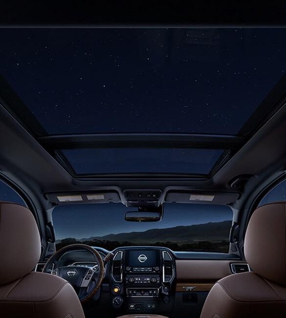 2021 Nissan Titan Dual Panel Panoramic Moonroof