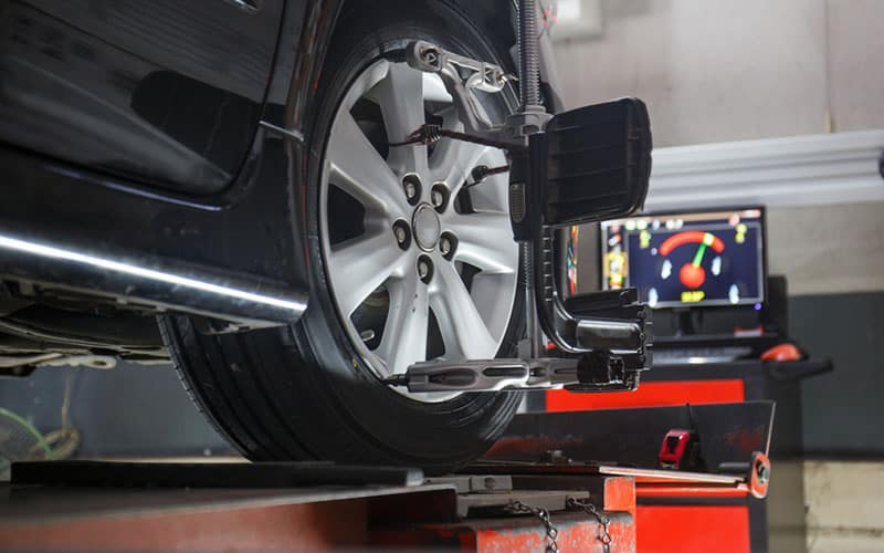 INFINITI Wheel Alignment Machine