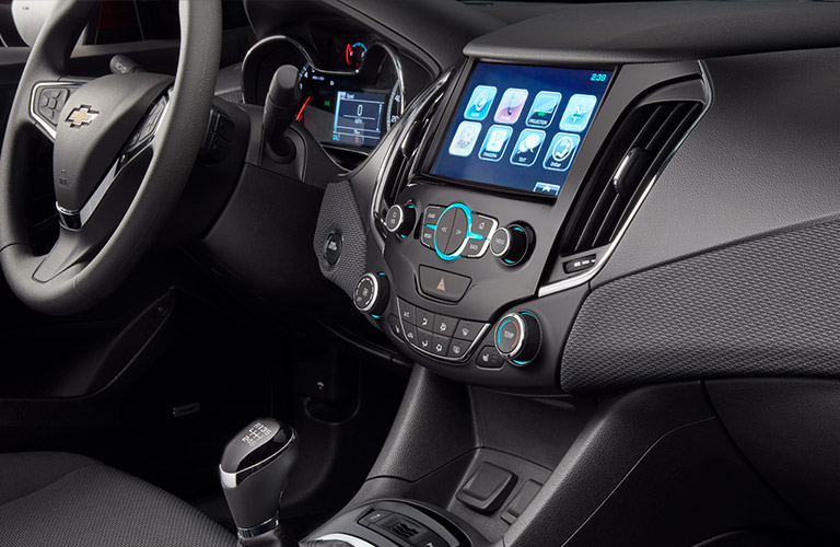 infotainment system on the 2017 Chevy Cruze