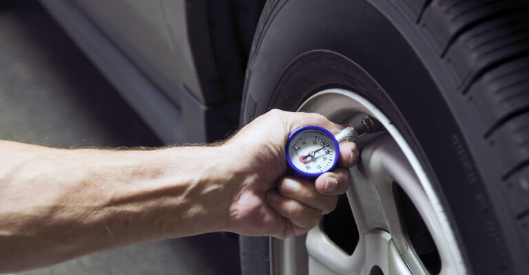 How to check your tires' inflation