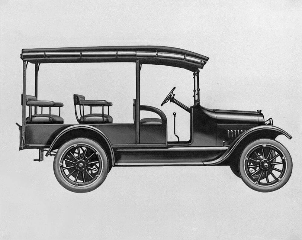 Black and White image of the 1918 Chevrolet 490 truck