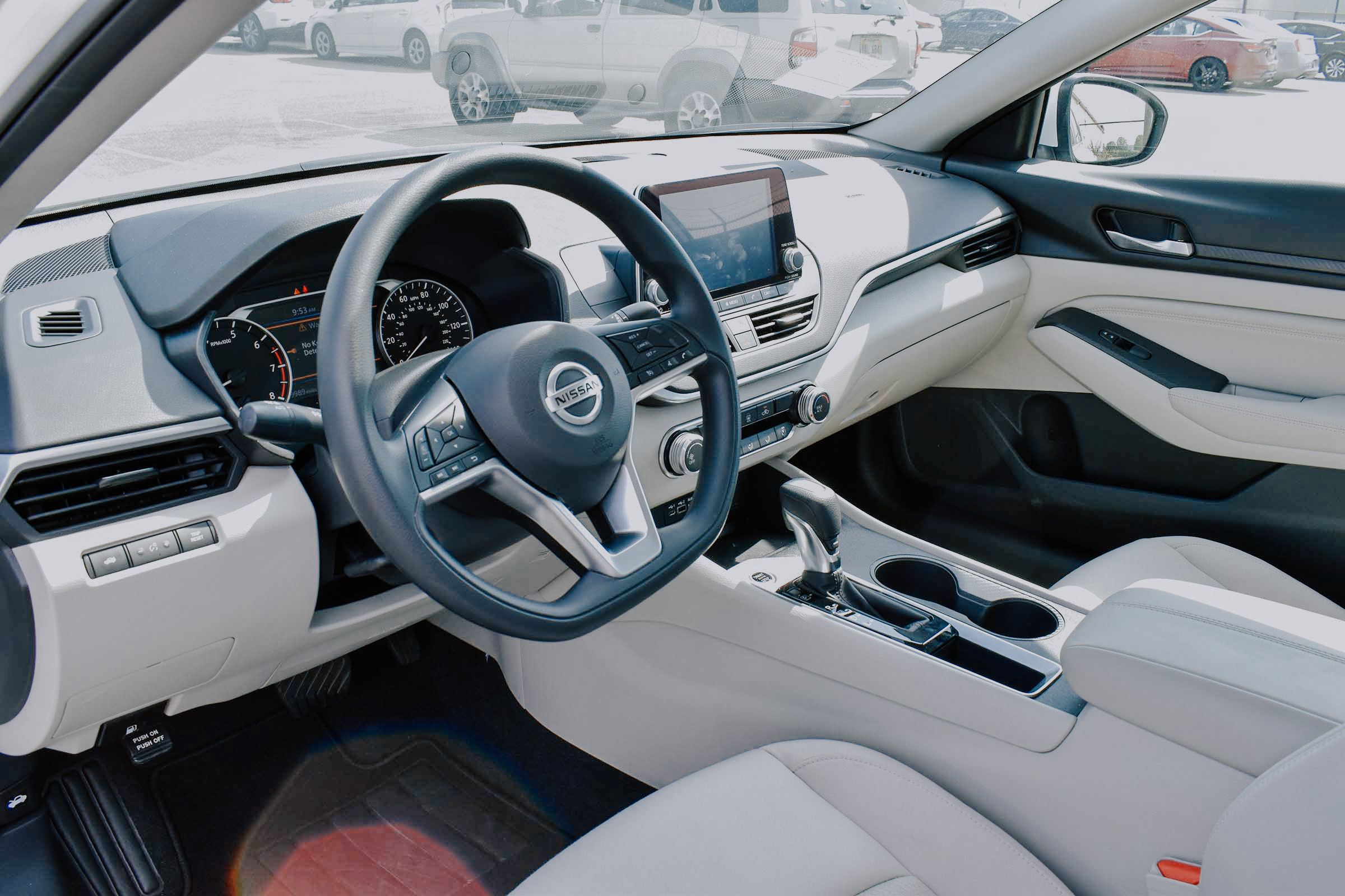Interior view of the Nissan Maxima finished in tad leather.