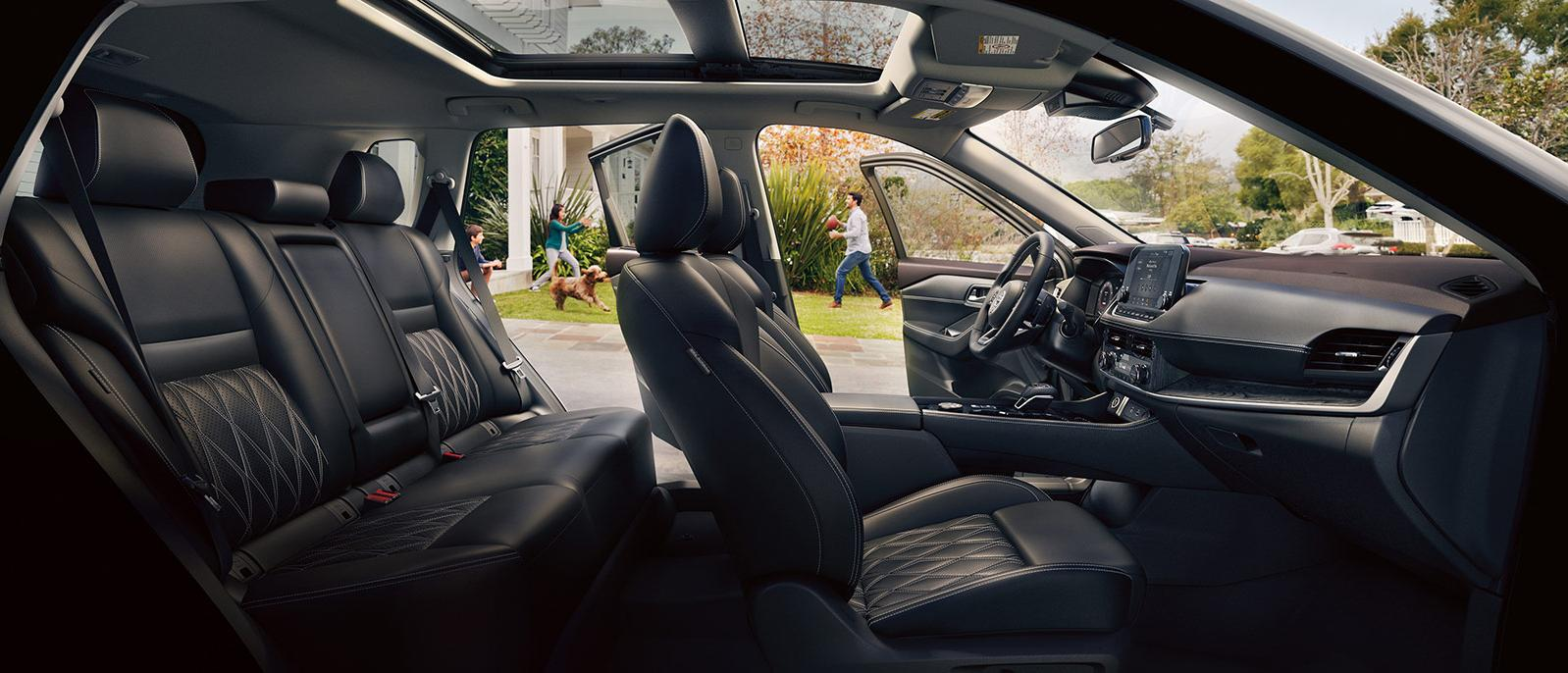 Profile view of the Nissan Rogue's luxurious seating.