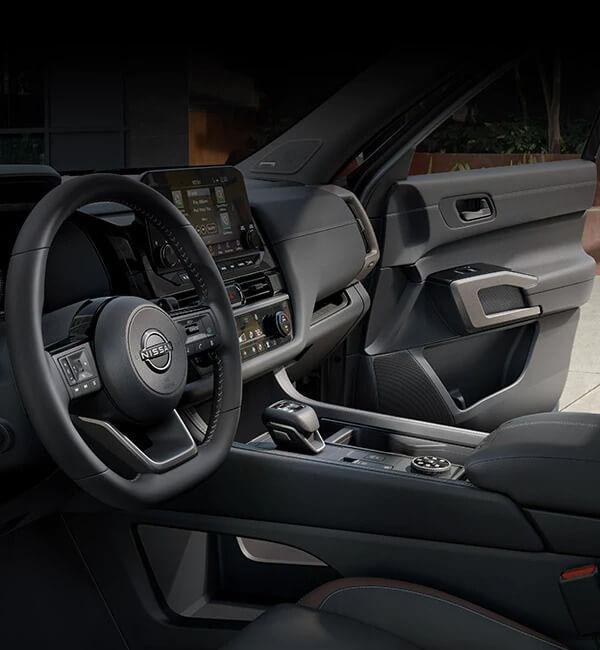 2022 Nissan Pathfinder Interior and Cargo